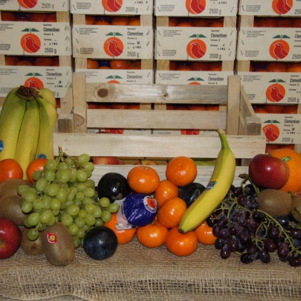 Obstkiste Exklusiv - Inhalt: 2 kg Premium-Äpfel, 1 kg Birnen, 2 kg Südfrüchte, 2 kg Trauben, 2 kg Bananen