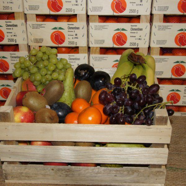 Obstkiste Premium - Lieferfertig: 3 kg Premium-Äpfel, 2 kg Birnen, 2 kg Südfrüchte, 1 kg Trauben, 1 kg Bananen